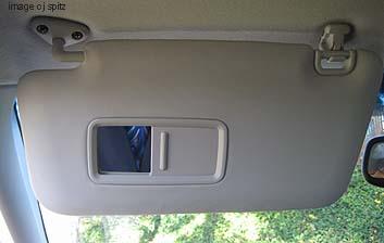 Subaru Forester- plastic sunvisor with mirror (not lit) ea96a83e778