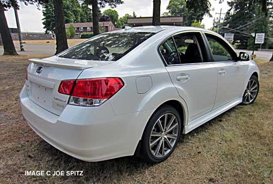 2013 Subaru Legacy Factory Spoiler Imagenesmy