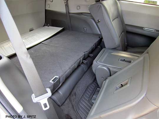 subaru tribeca 3rd row rear seat folds flat. Black Bedroom Furniture Sets. Home Design Ideas